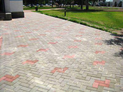 Переваги тротуарної плитки DEKORSTREET